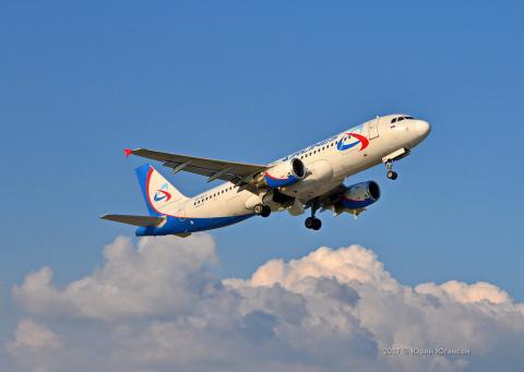 Кто летит в Крым? Первый споттинг в аэропорту Симферополя