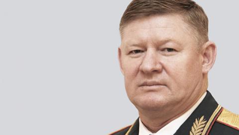 В Заполярье командующий ВДВ Сердюков попал в аварию