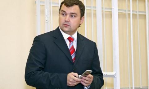 Экс мэр Архангельска Александр Донской, устроил гонки на феррари в торговом центре Весна в Москве