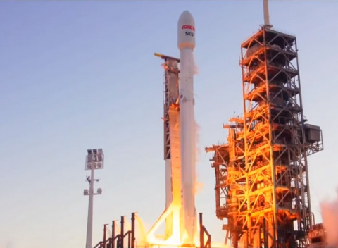 SpaceX запустила спутник Ech…
