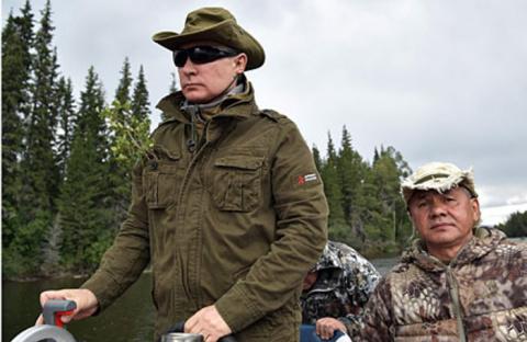 «Путин на стиле». Запад бурно отреагировал на кадры с отдыха президента РФ