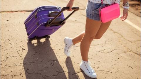 Падающие чемоданы.