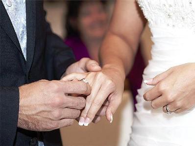 История, доказывающая, что на любимых надо жениться. Жениться и любить их законно...
