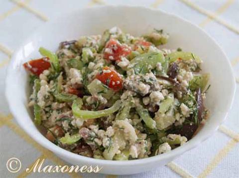 Острый творожный салат