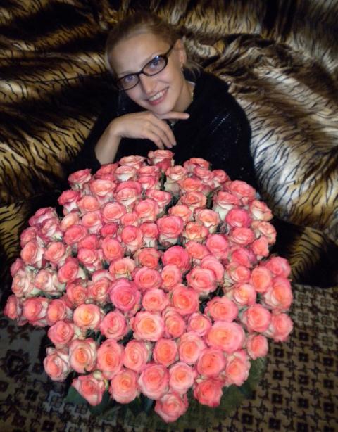 Люблю, когда мне дарят розы