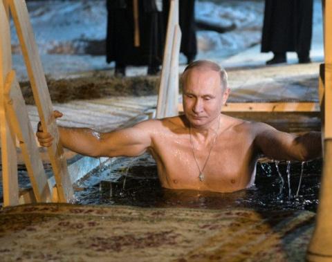 Многие лета Владимиру!!! Путин на Крещение окунулся в прорубь