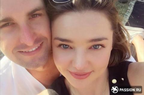 Супермодель Миранда Керр вышла замуж за миллиардера Эвана Шпигеля