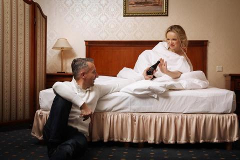 Полуобнаженную Цымбалюк-Романовскую «поймали» в номере отеля с женатым мужчиной