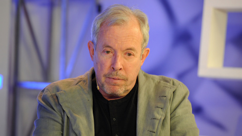 Автор памятника Калашникову …