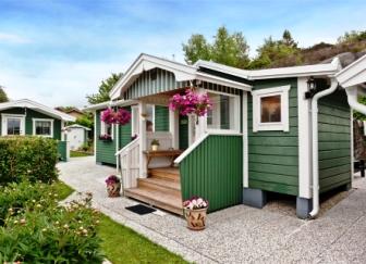 Зеленый домик площадью 40 квадратных метров