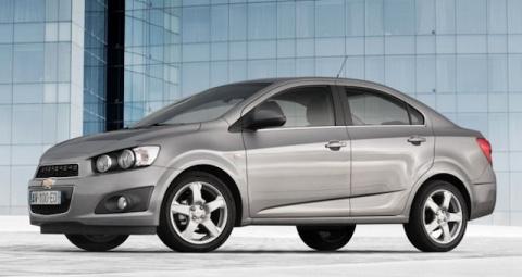 Бюджетный седан Chevrolet Av…
