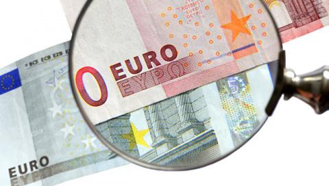 Политолог рассказал, почему во Франции обострили тему царских долгов России