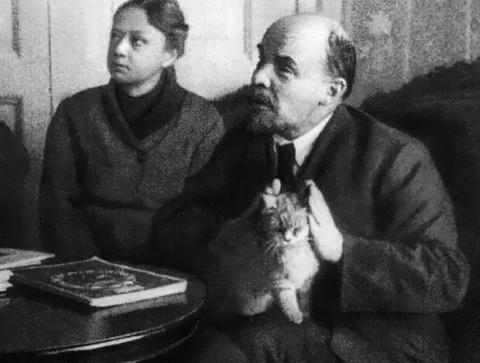 Ленин, как организатор и вождь