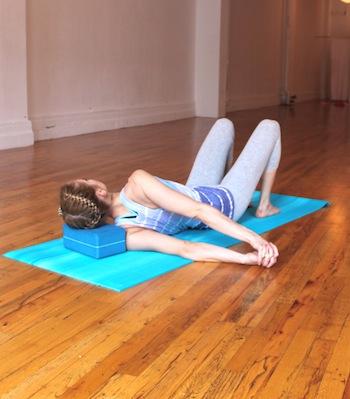 8 поз йоги для шейного отдел…