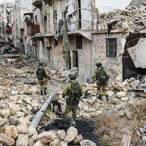 В Сирии ранены трое российск…