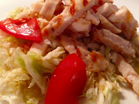 Еще один салат,с вкууууууууусной  заправкой!