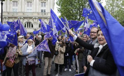 Зачем Россия портит жизнь процветающей Европе