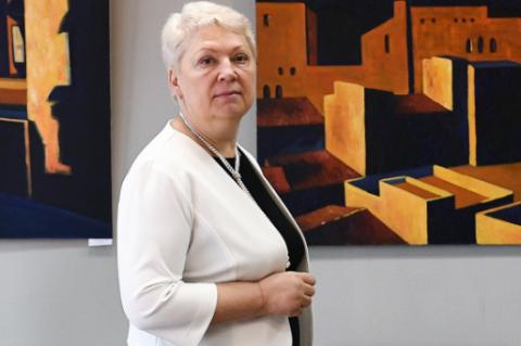 Васильева назвала преступлением платные уроки по основным предметам в школах