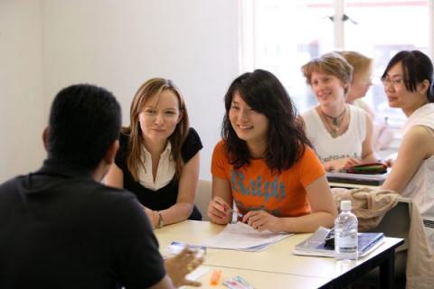 Япония и США намерены увеличить обмен студентами
