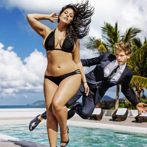 Новые стандарты красоты: модель 50-го размера в рекламе бикини