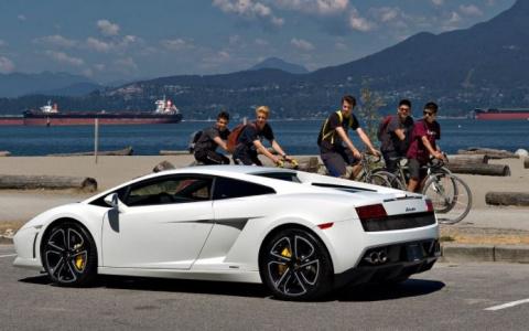 Богатые стали богаче: более …