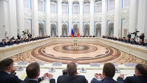 За столом у Путина