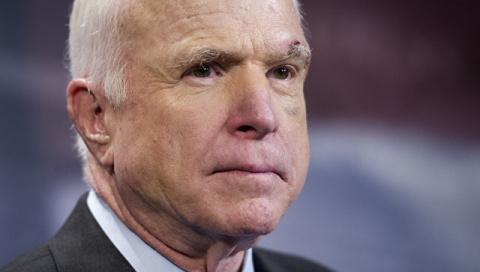 Маккейн предупредил Ирак о последствиях применения оружия США против курдов