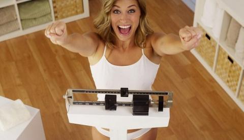 Модель нашла способ похудеть…