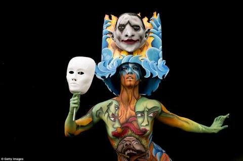 Фестиваль боди-арта порадовал зрителей необычными образами
