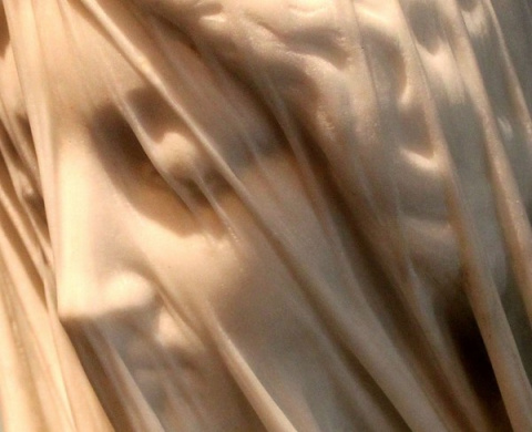 Вуаль в мраморе