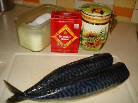 Рецепт засолки скумбрии в чайной заварке домашних условиях