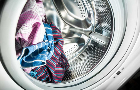 Как удалить запах из стираль…