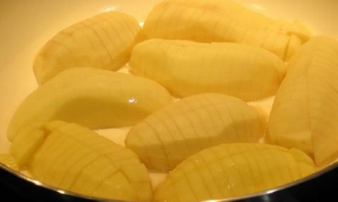 Любишь жареный картофель? На…
