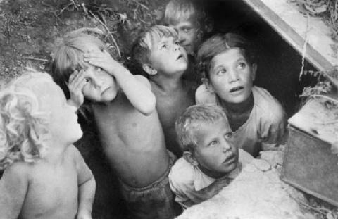 Зачем фашисты вывезли в Германию 50 000 советских детей