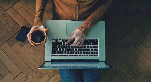 Сидячая работа: что делать, чтобы сохранить осанку