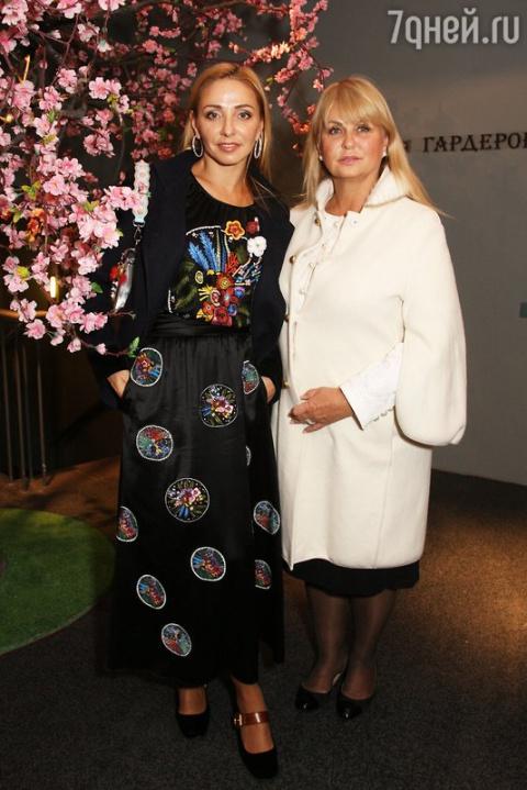Татьяна Навка вместе с мамой…