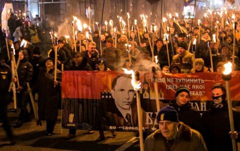 НГ в Киеве, бандеровское фак…