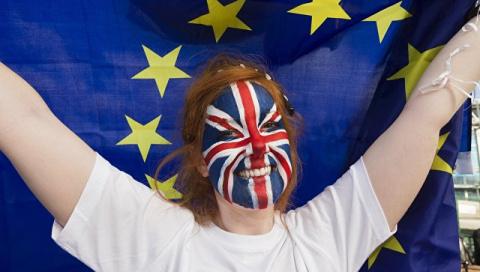 Уходя — уходи: целый год Лондон обдумывал условия развода с ЕС, но не преуспел в этом
