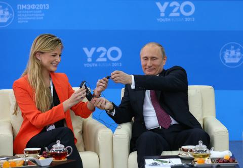 Младше Путина на год