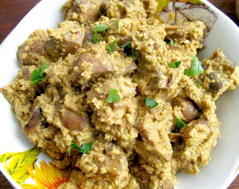 Грибы с орехами (грузинская кухня)