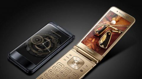 Мода возвращается? Samsung показал флагманскую «раскладушку»