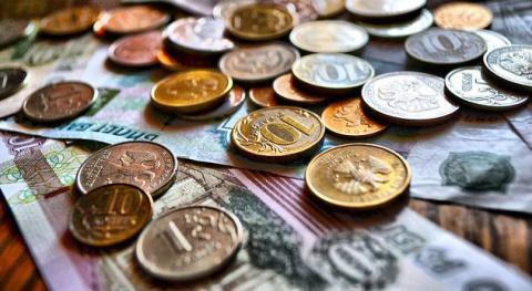 Российским семьям не хватает 12 тысяч рублей до «нормального» дохода