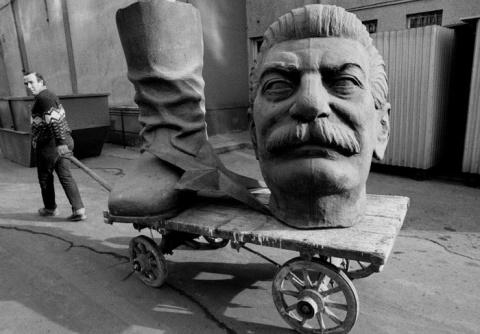 Упырь – не Сталин. Упыри – те, кто сегодня хотят судить его кривым судом