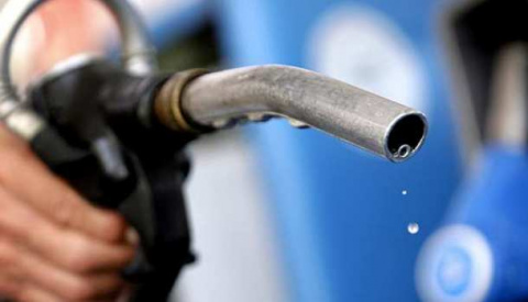 НаУкраине гадают, почему взлетели цены набензин: из-за проблем вСирии, США, КНДР илиначала посевной
