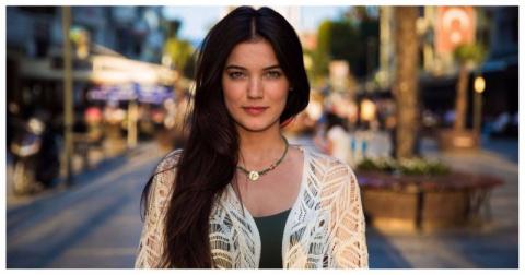 «Атлас красоты»: живые фотографии прекрасных женщин со всего мира