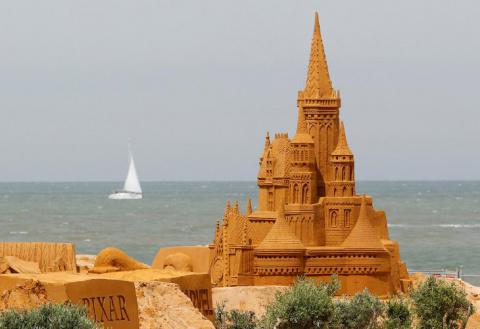 Крупнейший фестиваль песчаны…