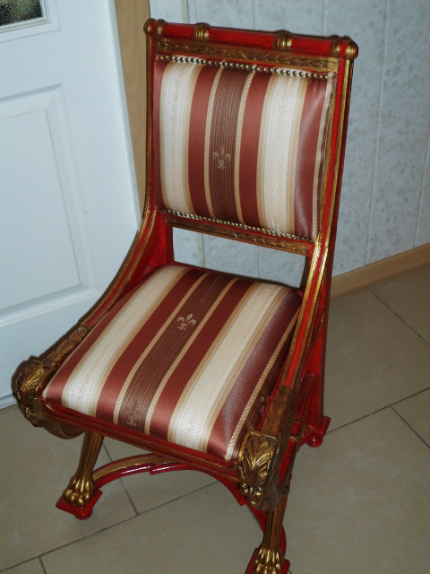 Новая жизнь старому стульчику.