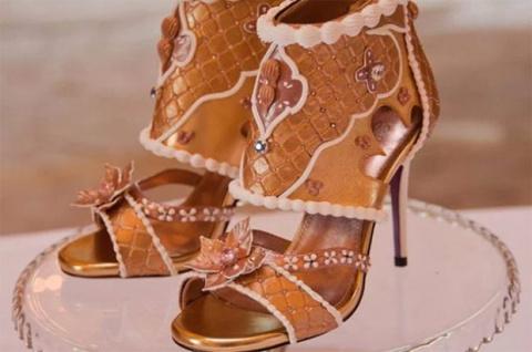 За самые дорогие туфли прося…