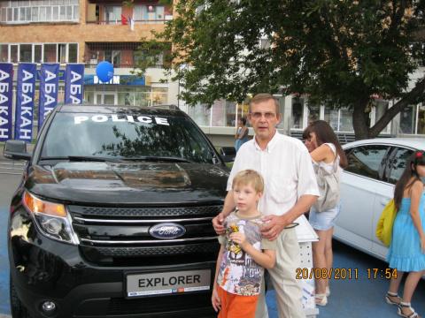Виктор Полежаев