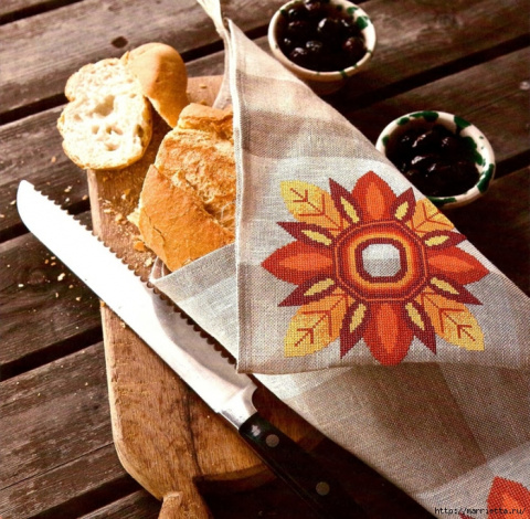 Очень красивый вариант осенней вышивки для салфетки - схема